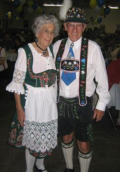 Oktoberfest Couples Costumes