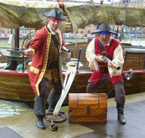Mens-Pirate-Costumes-2